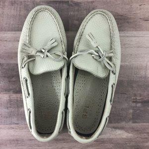 SPERRY size 7 white tassel loafer